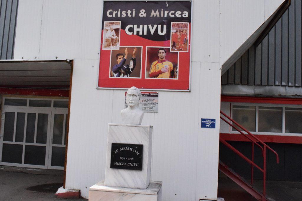 bust-mircea-chivu