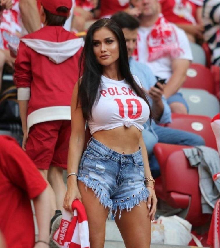 FOTO   Au pierdut pe teren, dar au câștigat în tribune. Polonezele fac senzație la Cupa Mondială