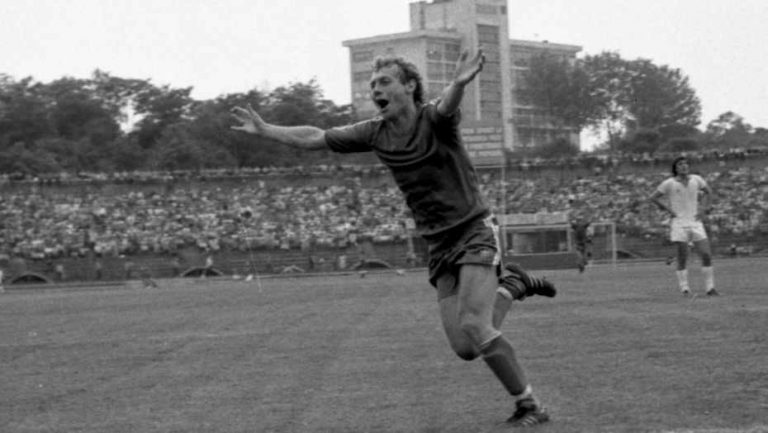 Ilie Balaci, înmormântat cu onoruri militare! Fostul mare fotbalist român, plâns de o țară întreagă