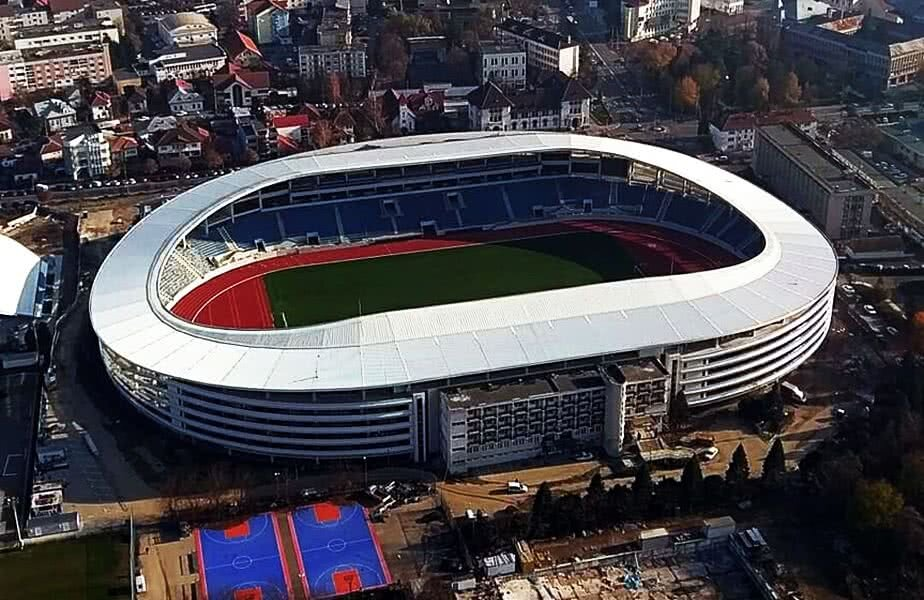 909390-11-stadion-pandurii