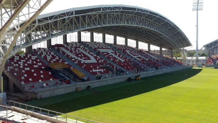 stadion arad 8