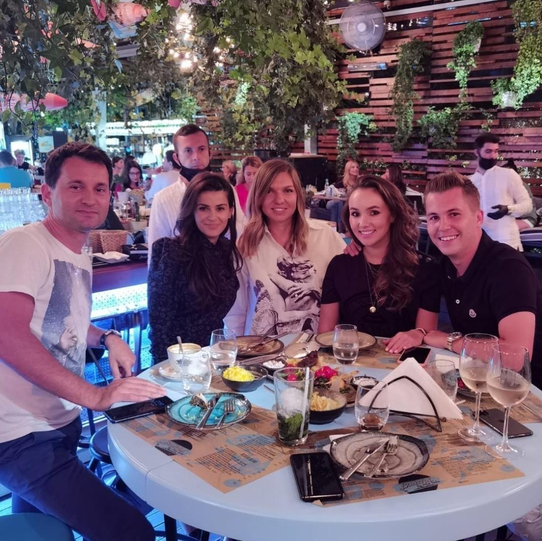FOTO | Simona Halep a sărbătorit un an de la triumful la Wimbledon! Mini petrecere în Herăstrău