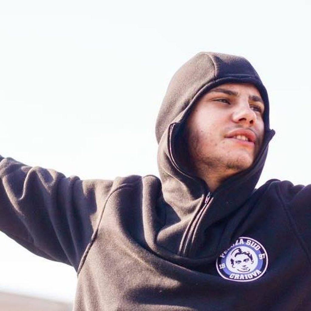Alex Niculescu 33