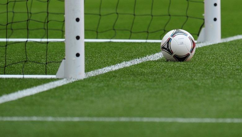 Mort, deces, minge de fotbal