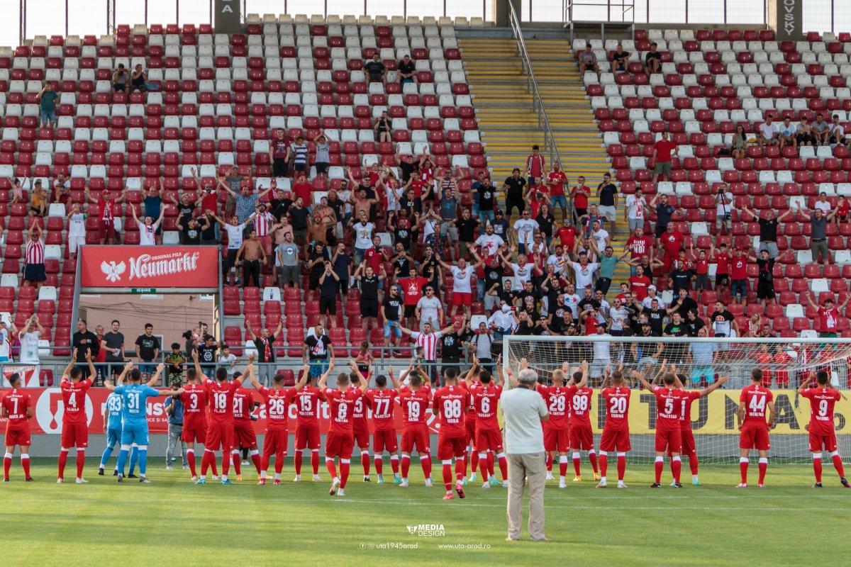 FOTO | UTA, amical special la prezentarea lotului și noului echipament!  Spectacol în tribune și pe teren